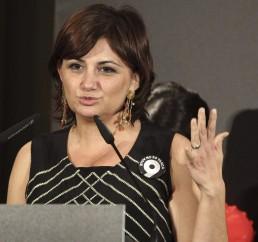 Carmen Amoraga