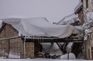 TEjado derrumbado por la nieve