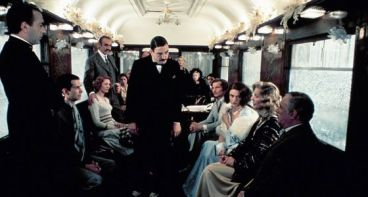 Fotograma de Hércules Poirot en Asesinato en el Orient Express