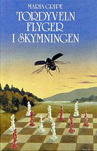 Protada en sueco María Gripe Tordyveln flyger in skymningen